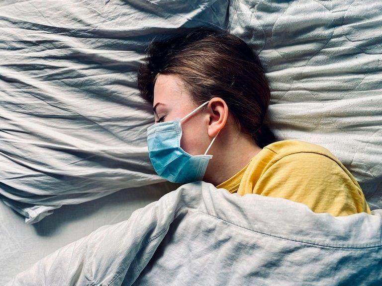 Algunos de los diagnosticos pueden ser: alteraciones de la memoria, de la concentración, dolores de garganta, musculares, articulares, cefaleas, adenopatías (ganglios inflamados) (Shutterstock).