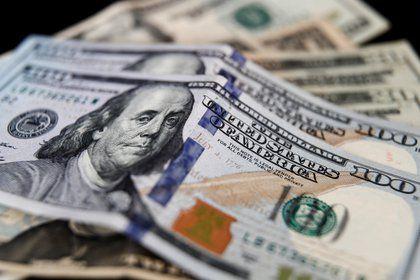 Dólar se negoció por encima de los $3.600 por primera vez en el año