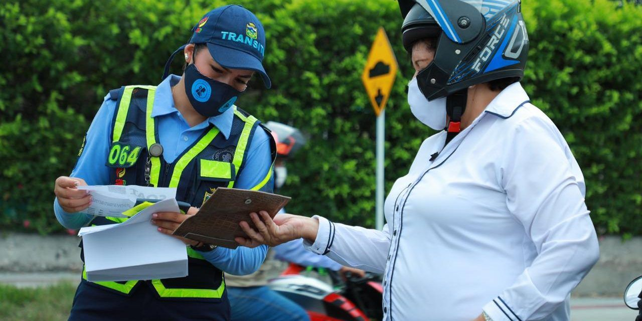 No uso de casco cubierto tendría multas por 15 salarios mínimos