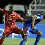 Tres partidos de fútbol colombiano serán vigilados por el VAR