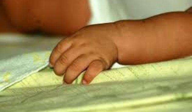Un bebé murió al caerle crema de arroz hirviendo
