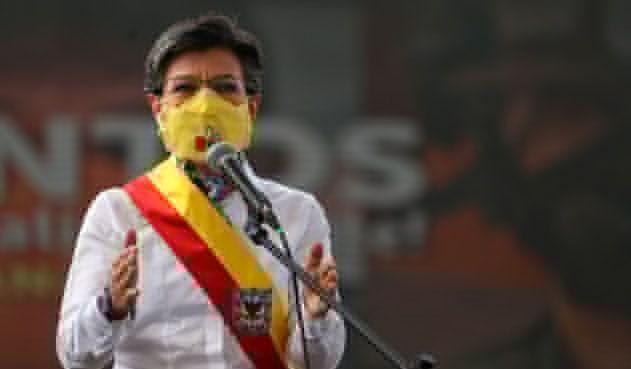 A Colombia no ha llegado la vacuna, pero sí avanza una revocatoria: Claudia López