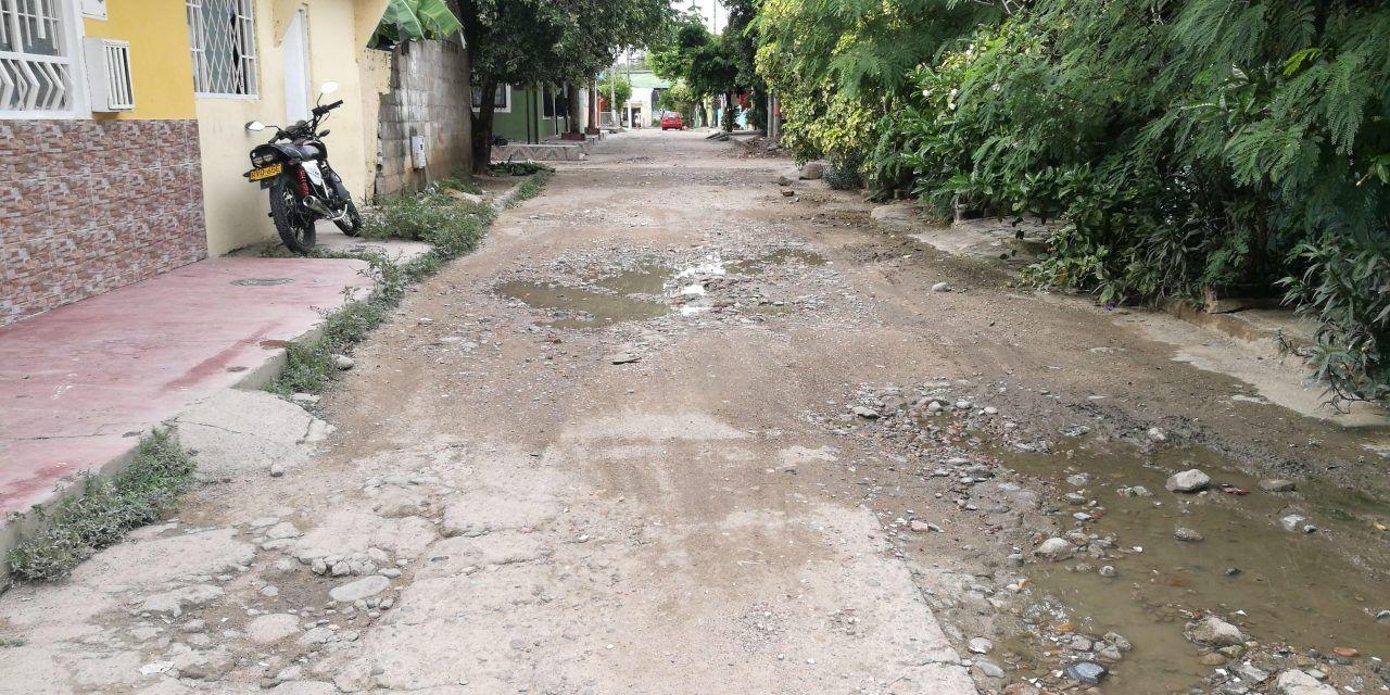 Barrio Reinaldo Matiz, sin vías y con desórdenes nocturnos