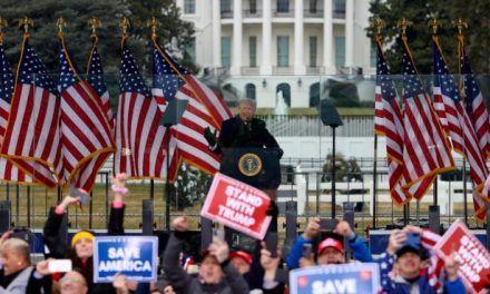 """Trump dice que """"nunca"""" concederá la victoria a Biden"""