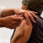 Por efectos secundarios, colombianos no aceptarían vacuna contra Covid