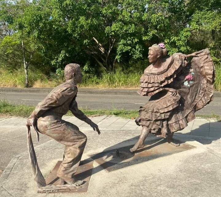 Escultura fue víctima de la delincuencia en Neiva