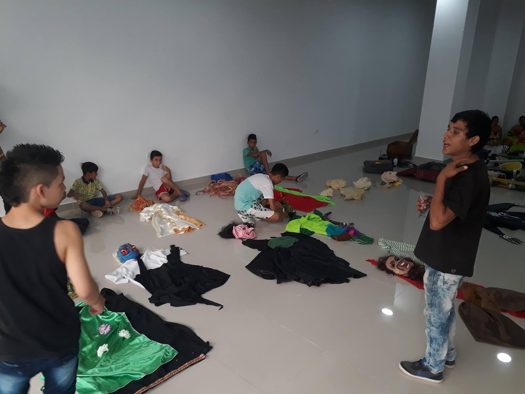 Formar a jóvenes y niños es su prioridad en este campo artístico.