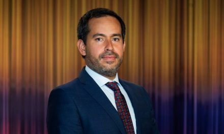Duque designó al abogado Lisandro Junco Riveira como director de la DIAN