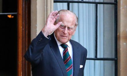 El Duque de Edimburgo está hospitalizado, confirma el Palacio de Buckingham