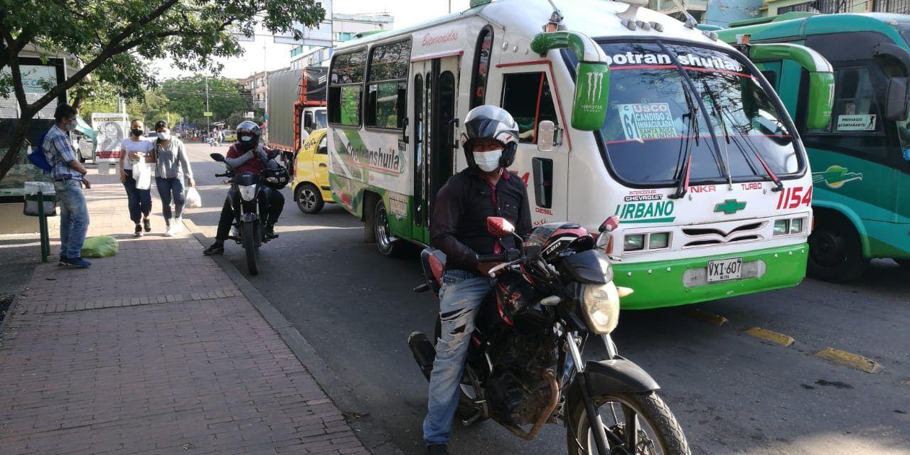 La ilegalidad preocupa al transporte público