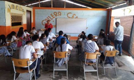Estudiantes huilenses regresarían en marzo a las aulas