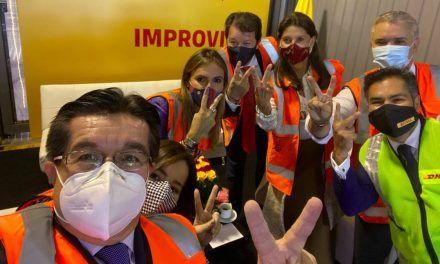 Claudia López criticó la logística de la entrega de las vacunas por toma de foto