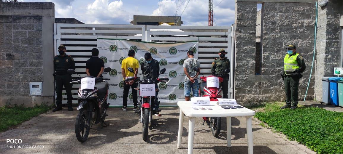 Capturados hombre y dos adolescentes por hurto de motocicleta en Timaná