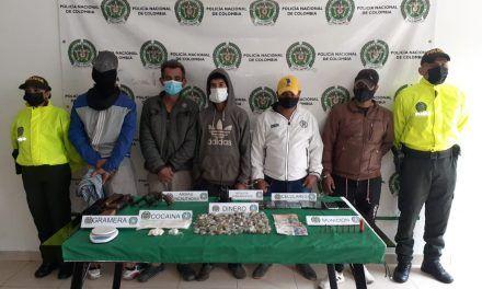 Capturados cuatro hombres y un adolescente por expendio de estupefacientes en Suaza