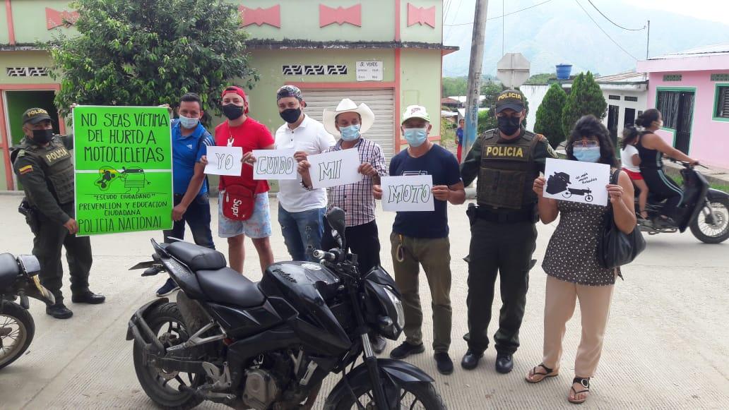 En Algeciras realizaron campaña contra el hurto a motocicletas