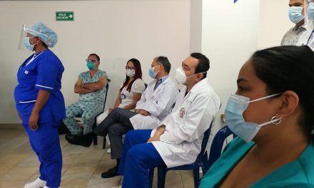 Personal médico de Neiva narra cómo es hacer parte de la primera línea de vacunación