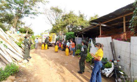 Gas Neiva donó cilindros llenos a familias de Bajo Pedregal