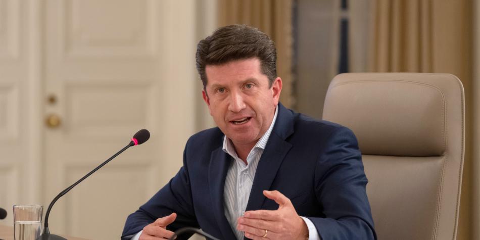 Senado niega moción de censura contra ministro de Defensa