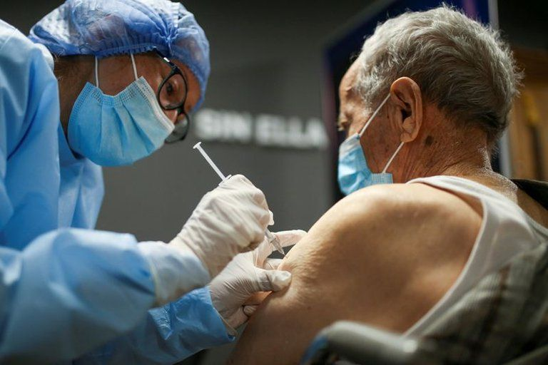 Comienza la segunda etapa de vacunación contra el covid en personas de 60 y 79 años