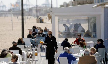 España espera Semana Santa con el virus otra vez estable