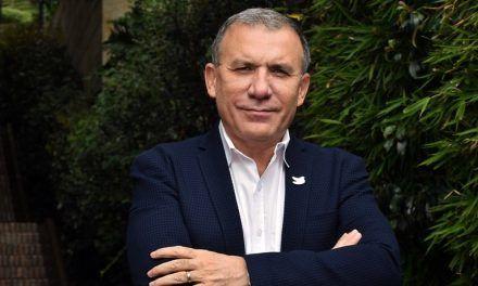 Roy Barreras anunció que se lanza a la Presidencia de la República e irá a consulta con Gustavo Petro