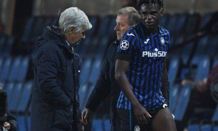 Duván Zapata salió con molestias físicas en la derrota de Atalanta ante Inter de Milán
