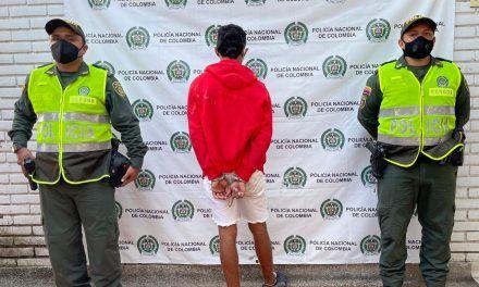 Detenido por golpear a tres mujeres
