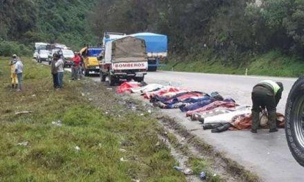 Al menos 20 muertos y 9 heridos en accidente de bus en Bolivia