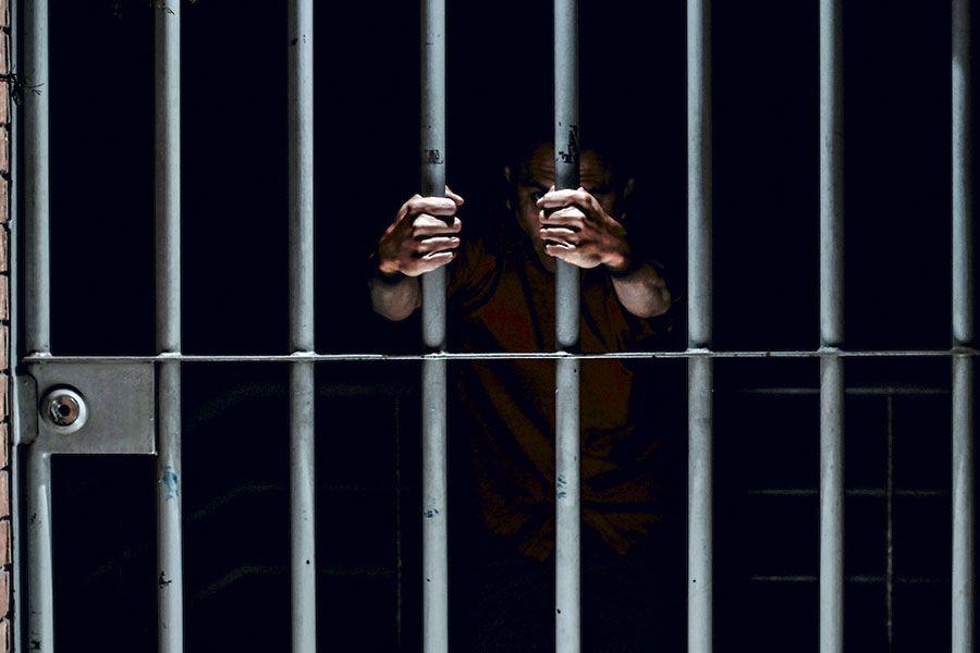 Más de 16 años de cárcel a hombre que violaba a sus dos sobrinas