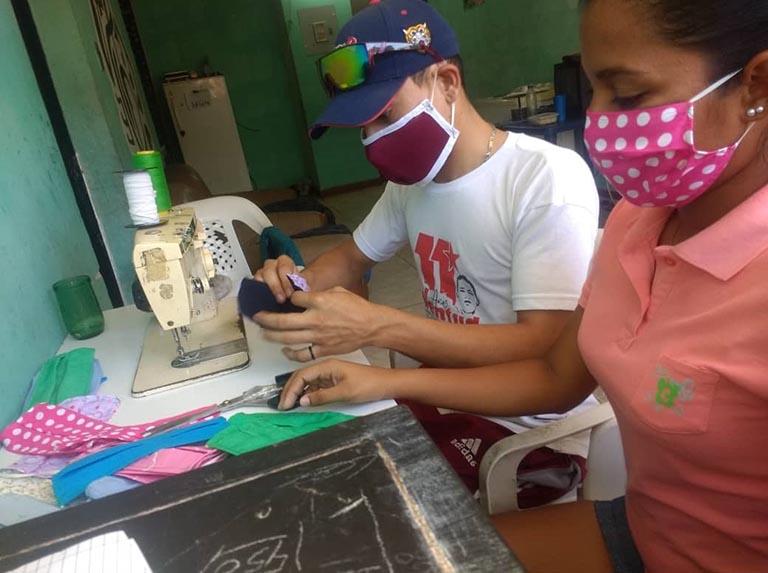 Los sectores en donde se han desarrollado las mujeres laboralmente en muchos casos han tenido que reducir el personal o cerrar los negocios.