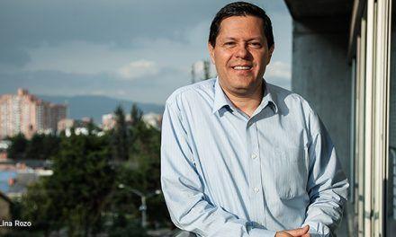 Juan Roberto Vargas, director de Noticias Caracol, tiene COVID-19; está «muy adolorido»