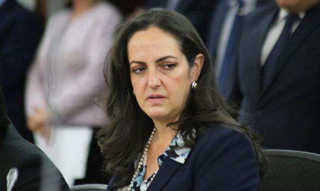 María Fernanda Cabal envió carta a Comité Noruego para que retiren Nobel a Santos