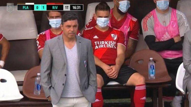 Rafael Santos Borré se lesionó con River Plate y prende las alarmas