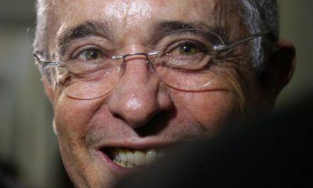 """Verdes rechazan trino de Uribe que habla de comunistas y """"verdosos"""""""