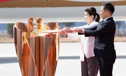 Llama olímpica tendrá relevo en un solitario evento