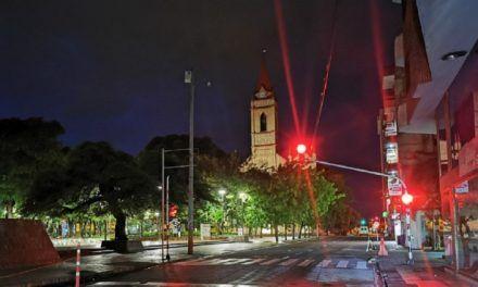 Las multas por violar toque de queda o ley seca en ciudades con alta ocupación UCI en Semana Santa
