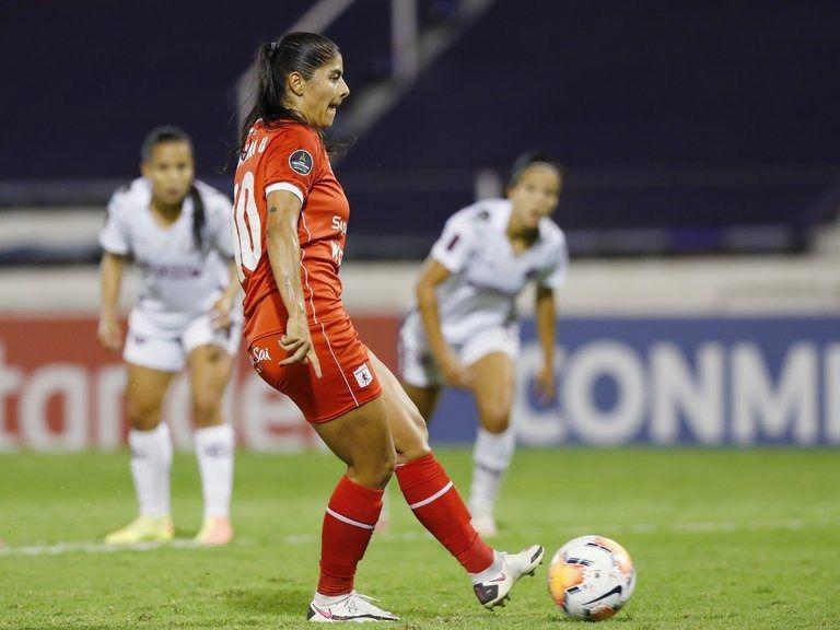 """""""Cambiaría todos los títulos de goleadora por esa Copa Libertadores"""": Catalina Usme"""