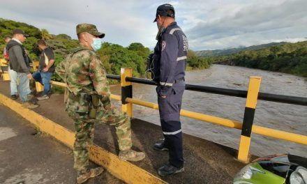 Desaparecido suboficial del Ejército luego de intentar cruzar las aguas del río Negro en Íquira