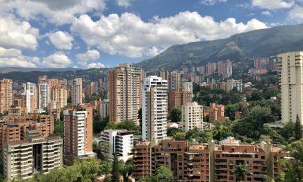 Por presunto descuido niño de dos años murió en Medellín tras caer de un piso 15