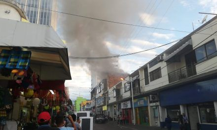 Voraz incendio dejó a una persona herida en centro de Neiva