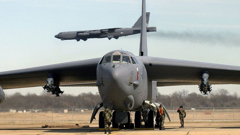 EE.UU envió nuevos bombarderos al Golfo para proteger la retirada de las tropas de Afganistán