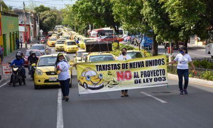Taxistas rechazan proyecto de Ley 003