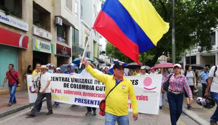 El decreto señala que queda prohibida la circulación y participación de menores de edad en desarrollo de las marchas y la protesta social.
