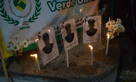 Velatón en honor a los uniformados que han perdido su vida