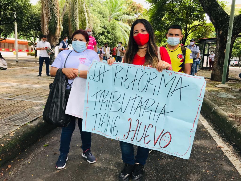 Los manifestantes aprovecharon para enviar un mensaje de solidaridad a la familia de Juan Diego Perdomo Monroy, joven que murió durante las protestas.