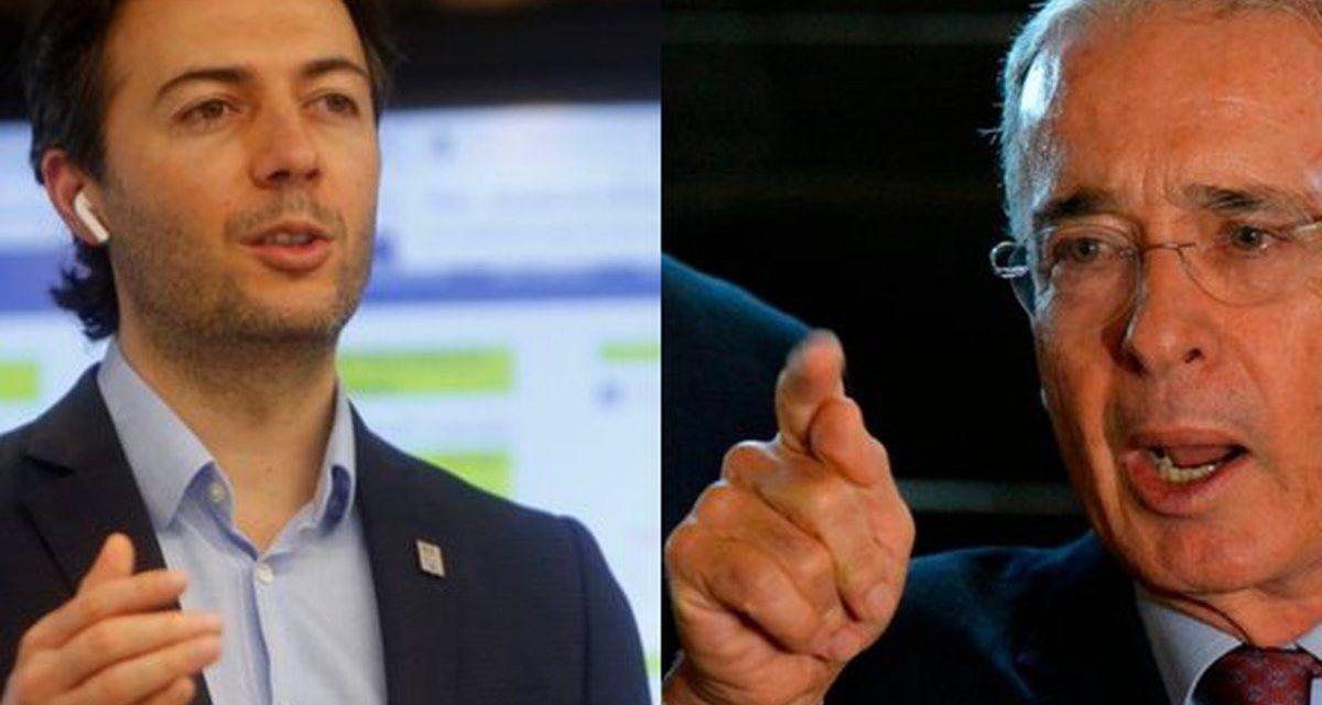 """""""Su tiempo ya pasó y no lo ha aceptado"""": Quintero sobre Uribe"""