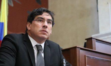 Renunció Álvaro Hernán Prada al Congreso