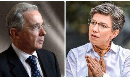 """Nueva arremetida de Álvaro Uribe contra Claudia López: """"Dice trabajar mucho, pero no le rinde"""""""