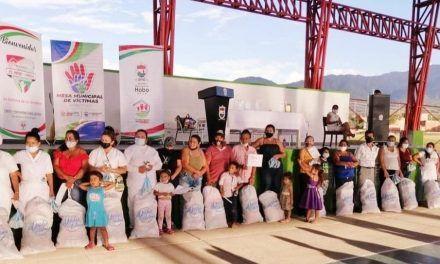 En Hobo, víctimas del conflicto recibieron donaciones