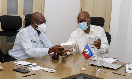 Embajador de Haití busca fortalecer el bilingüismo en Neiva